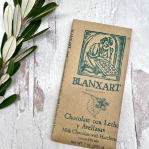 Blanxart_Milk Chocolate with Hazelnuts_33%